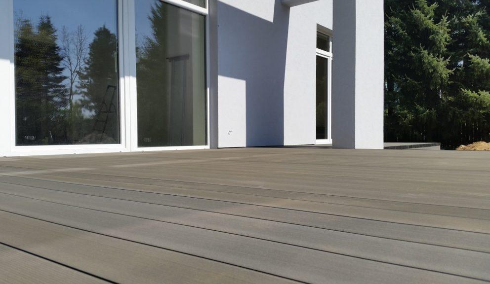 Taras kompozytowy Twinson Essential Terrace na Bielanach