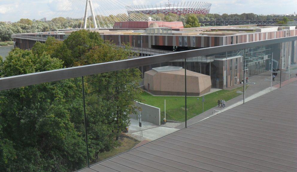Taras kompozytowy Twinson Essential Terrace na dachu bloku – Warszawa Powiśle